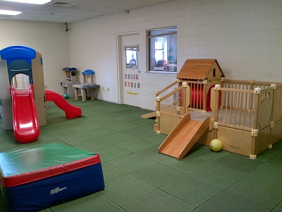 There is both an indoor playroom as well as a rooftop playground for the children to enjoy.