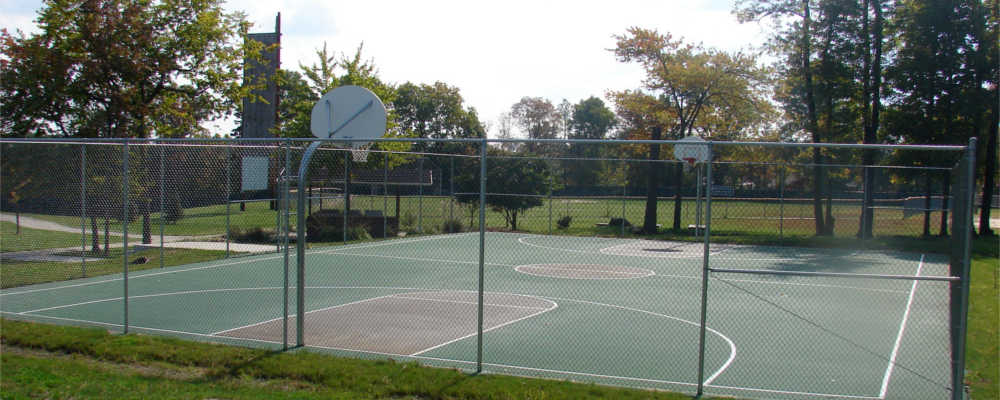 baltimore-campus-outdoor-basketball-court-and-rock-wall