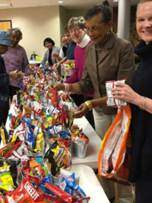 auxiliary-stuffing-easter-baskets